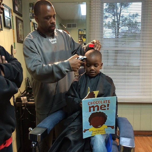 the-fuller-cut-barbershop-reading-1476457956-640x640.jpg