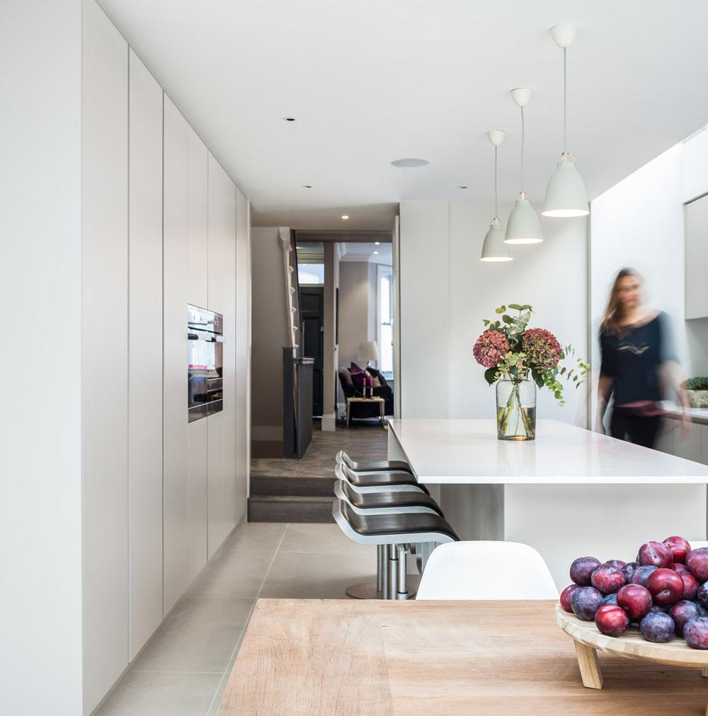 ch_kitchen_lrg.jpg
