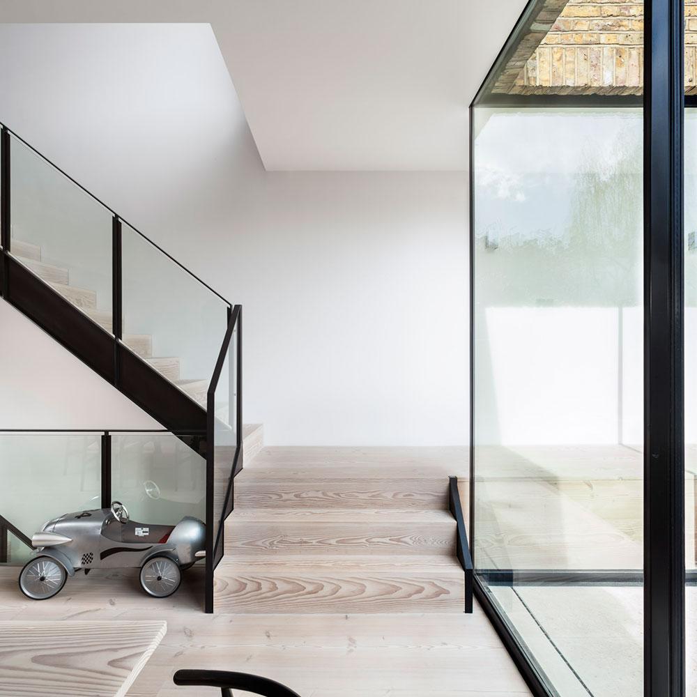 mpr_stairs_lrg.jpg