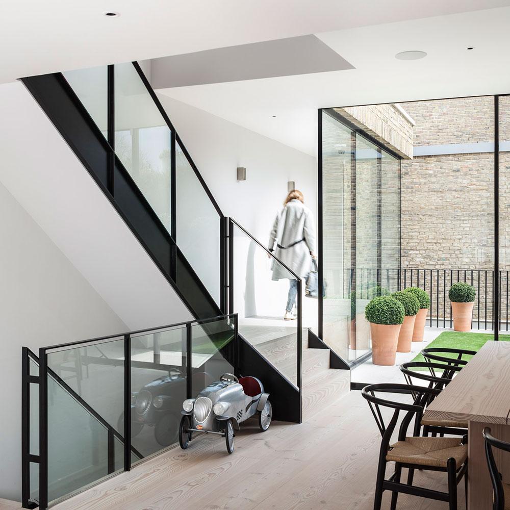 mpr_stairs2_lrg.jpg