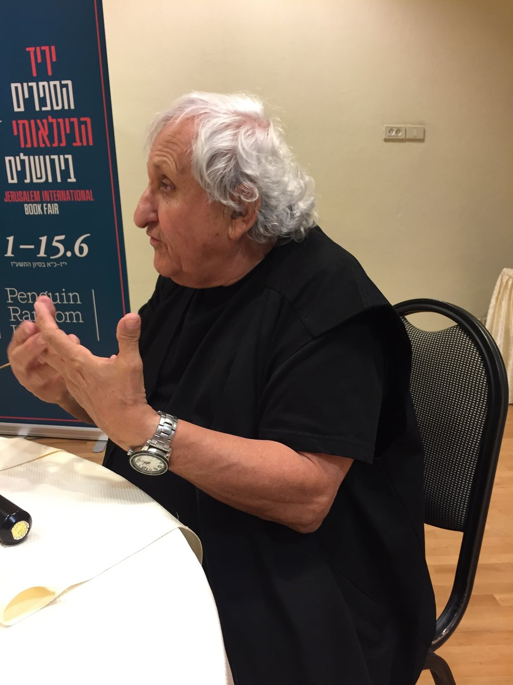 A.B. Yehoshua speaking at a private lunch