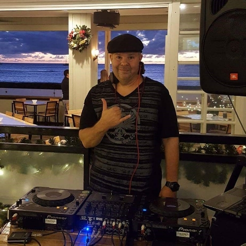 Every Wednesday 6-9pm, join us with DJ Zinn as he brings together great music for dining and dancing. DJ Zinn will be taking requests via social media to incorporate into his playlists so stay tuned on Facebook, Twitter and Instagram to learn more about how to submit your requests.