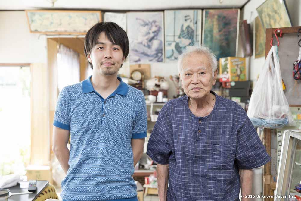オーナーの能勢正昭さんと受付スペースで撮影