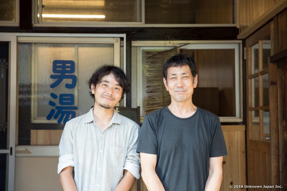 オーナーの松本峰高さんと入口の前で撮影