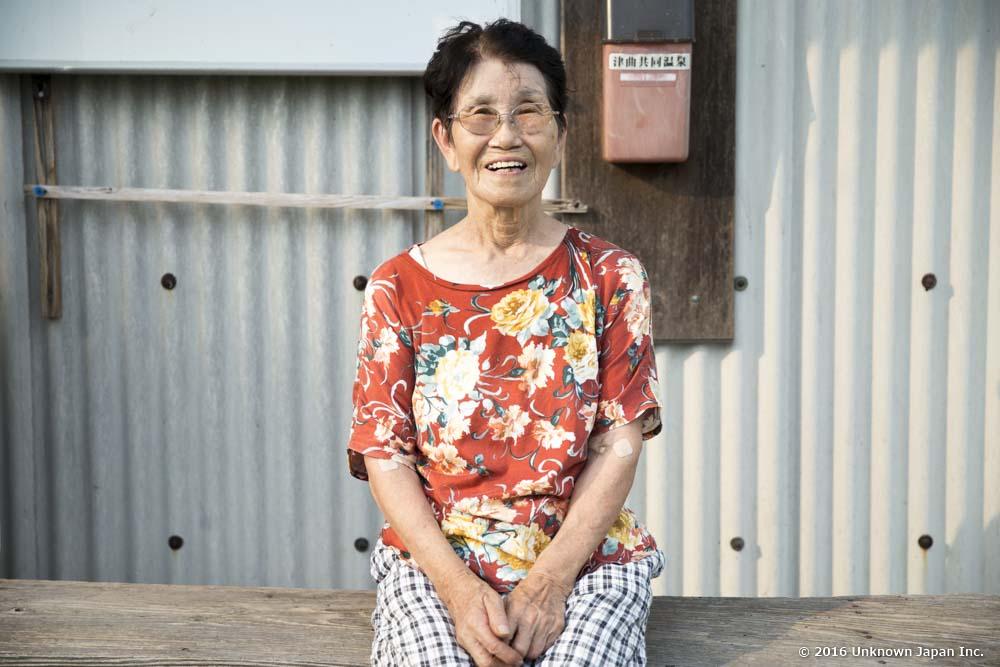 津曲温泉、温泉の将来を心配する管理人のウメ子さん