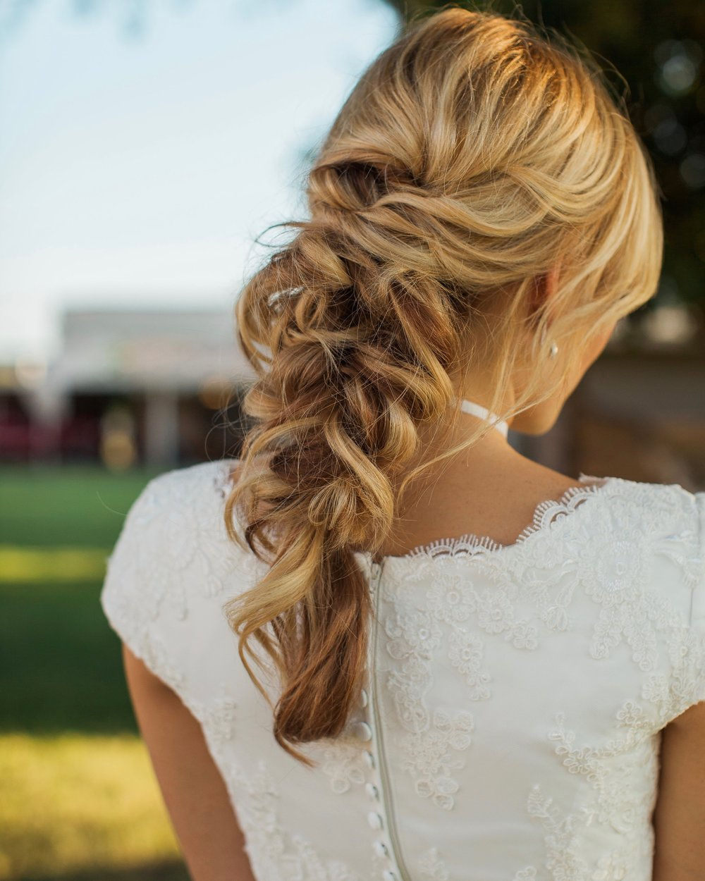 HAIR: Harley Ann Artistry | MAKEUP: Kelsea Jones | PHOTO: Jennie Karges | STYLING: Simple Means Events