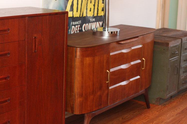 mid century modern sideboard credenza 1950 - Mid Century Modern Furniture Toronto