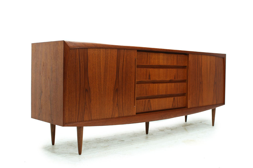 MCM Teak wood 4 drawer 1 door Credenza / Sideboard with tapered front and 6 legs