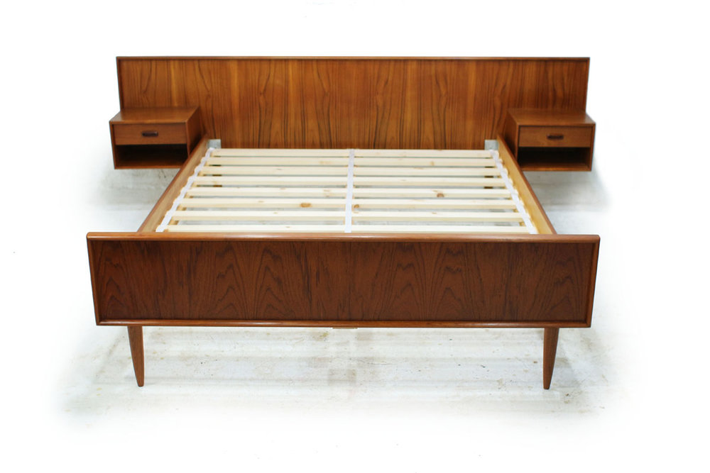 MCM Teak wood Queen Size Platform slat Bed with Two nightstands