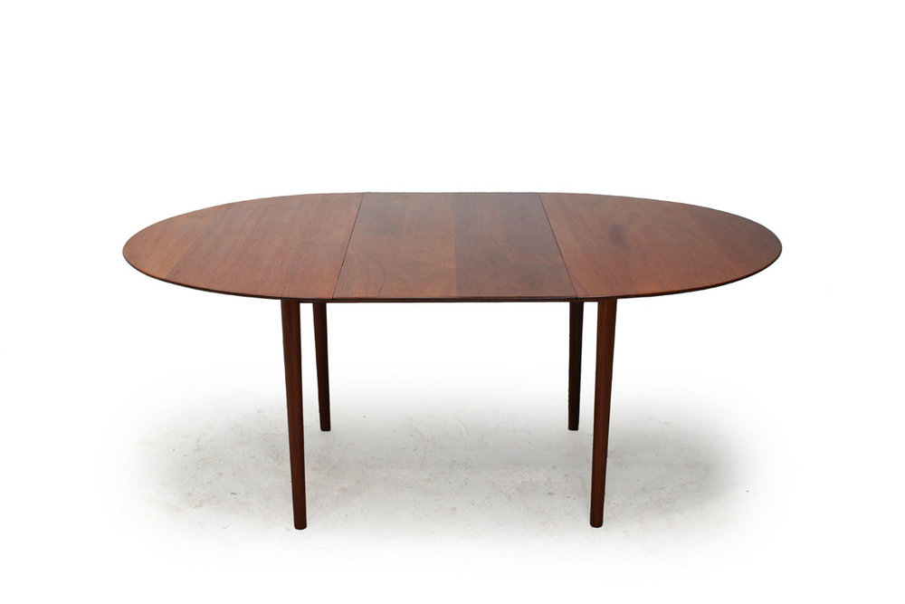 Round / Oval Extendable Teak wood Dining Table Designed by Borge Morgensen Denmark Designer