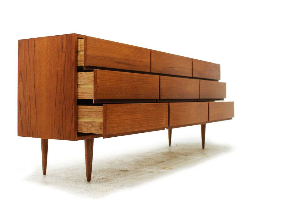 Mid Century Modern Vintage Used Teakwood 9 Drawer Dresser with tapered legs