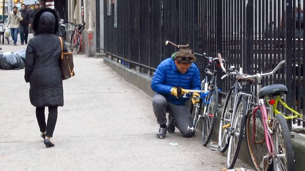 video-opdoc-neistat-bikethief-articleLarge