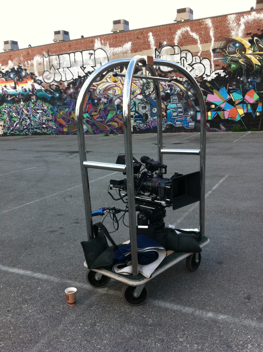 Luggage cart motion dolly