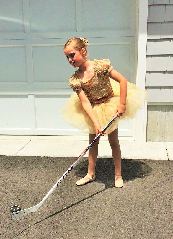 Caroline Batchelder tutu hockey.jpg