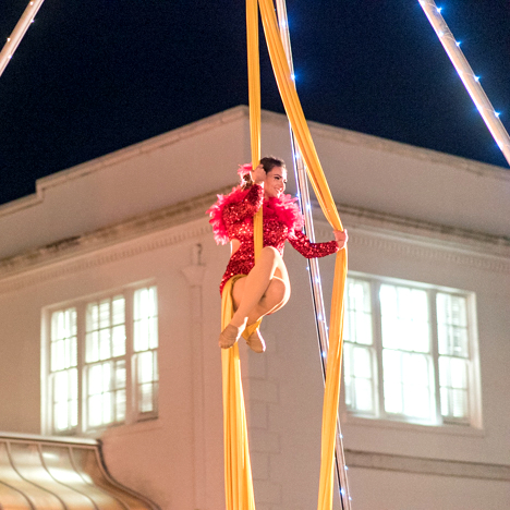 Destin Aerial Events Fabric Silks Tissu Entertainment