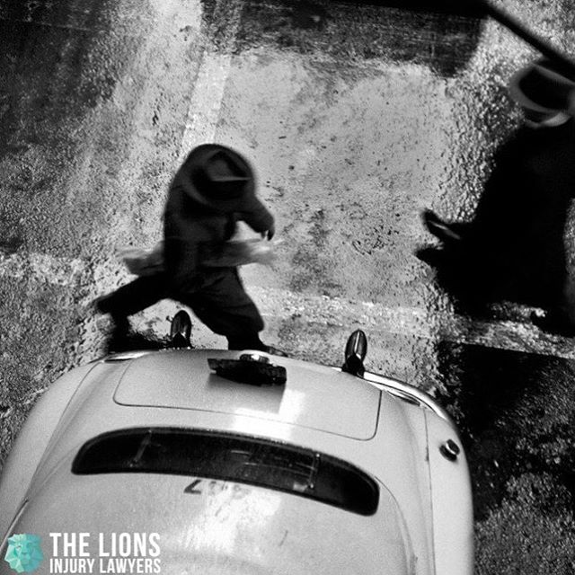 Enjoy the rain! Injured? #dontgetscrewed #lionslawyers #leonesabogados