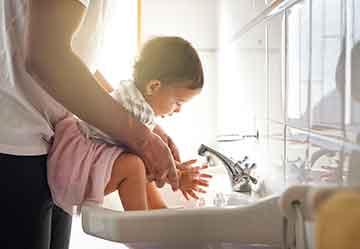 Baby-Handwashing_iStock-543340712.jpg