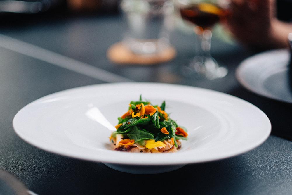 Crab, radicchio, tetragonia, tomato