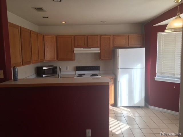 Kitchen 2..jpg