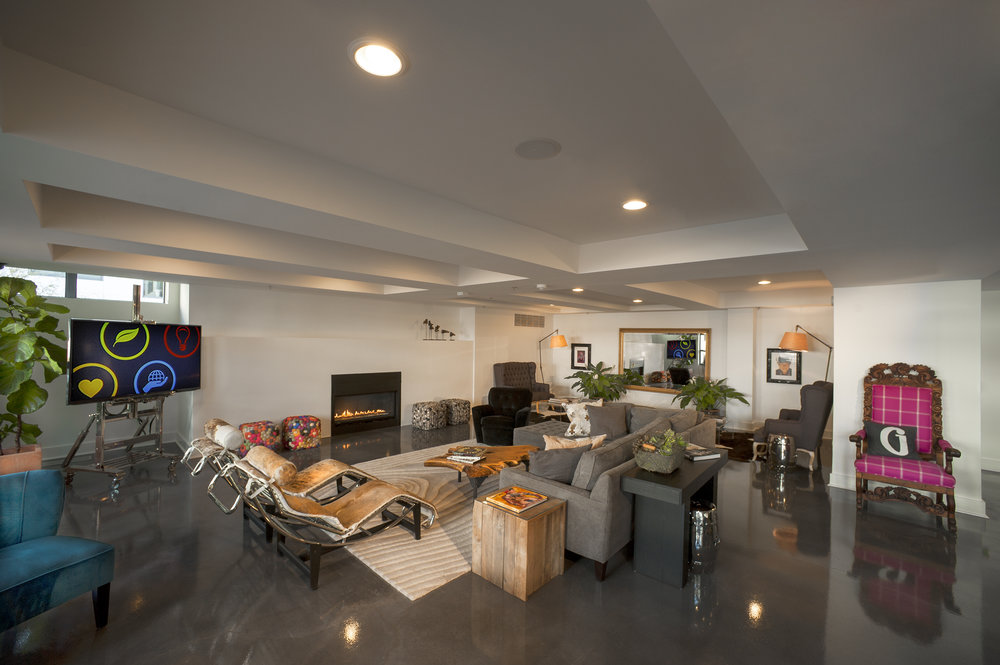 Modern Design, Construction Project Manager