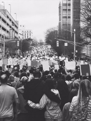 Disclaimer: Photography provided by Katie Crenshaw, blogger at  Twelve & Six , who attended the women's march in Atlanta.