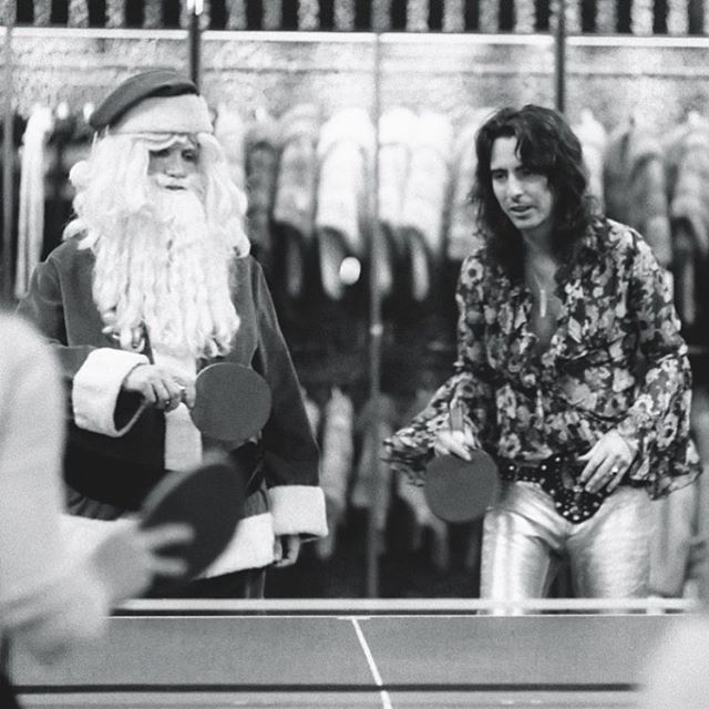 Alice Cooper v Santa. Merry Xmas Eve everyone! - #nightcrawlerco #alicecooper #santasiscoming #schoolsout #billiondollarbabies #poisonrunningthroughmyveins #christmaseve