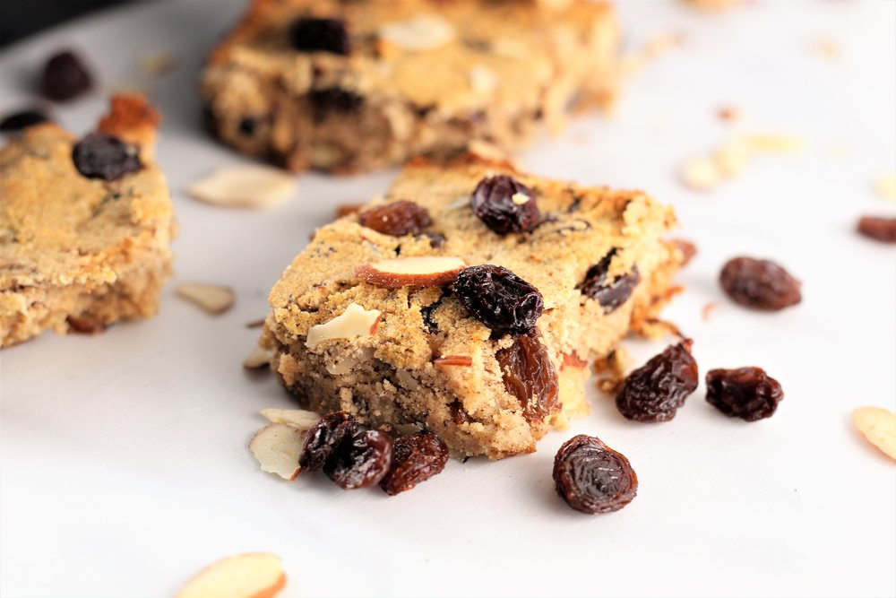 cinnamon raisin crumble blondies