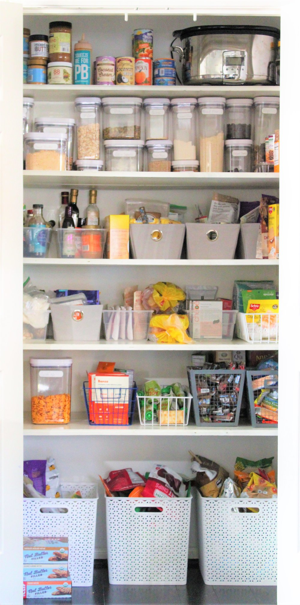 9 simple steps to achieving a clutter free pantry