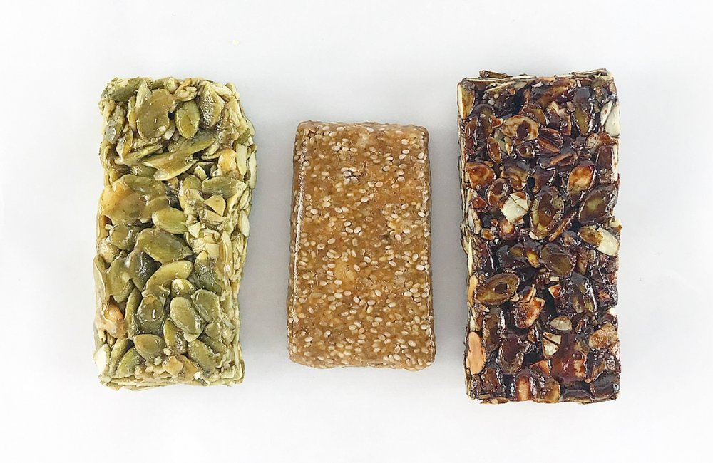 what to look for a healthy snack bar