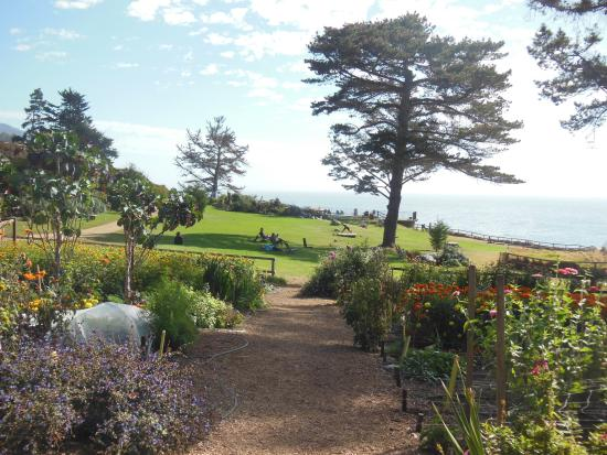 the-esalen-institute (1).jpg