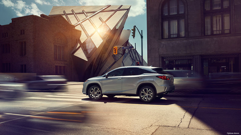Lexus-RX-safety-system-keyfeatures-1204x677-LEXRXGMY160041.jpg