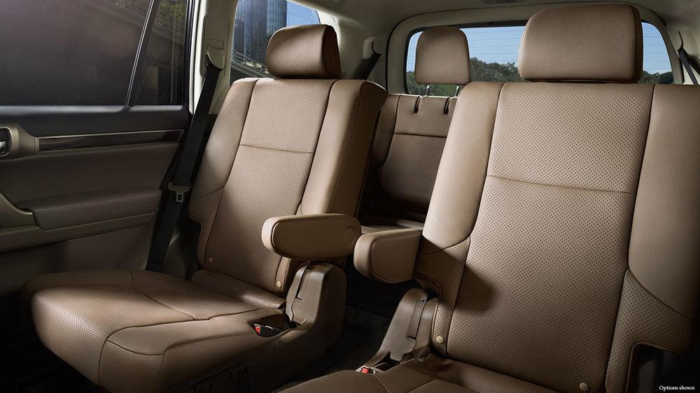 Lexus-GX-interior-ecru-leather-trim-overlay-476x357-LEX-GXG-MY17-0018.jpg