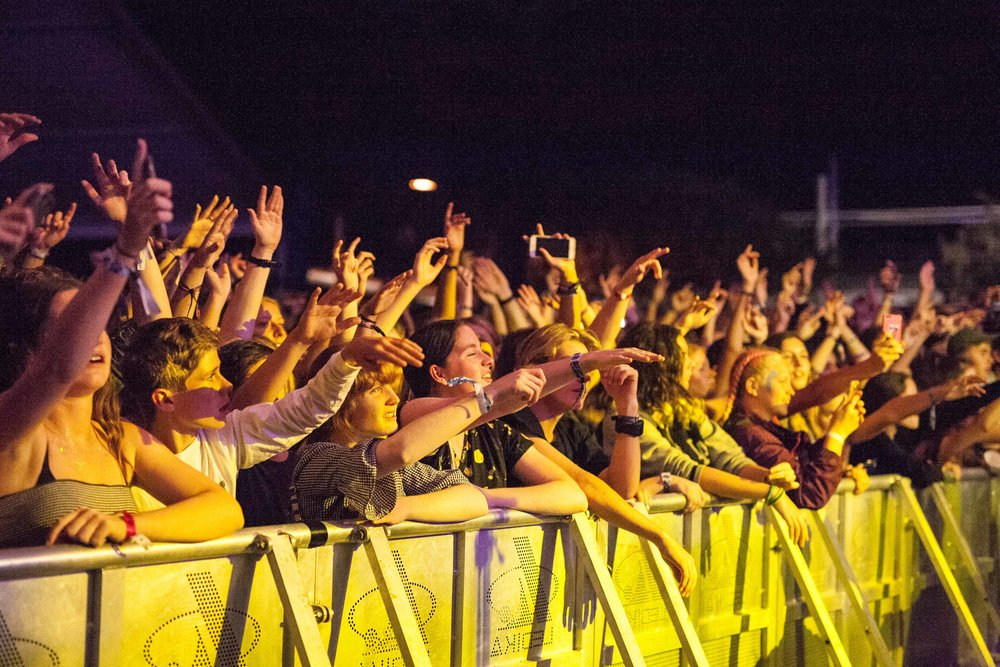 surf-stage-crowd-drapht-cynthialee.jpg