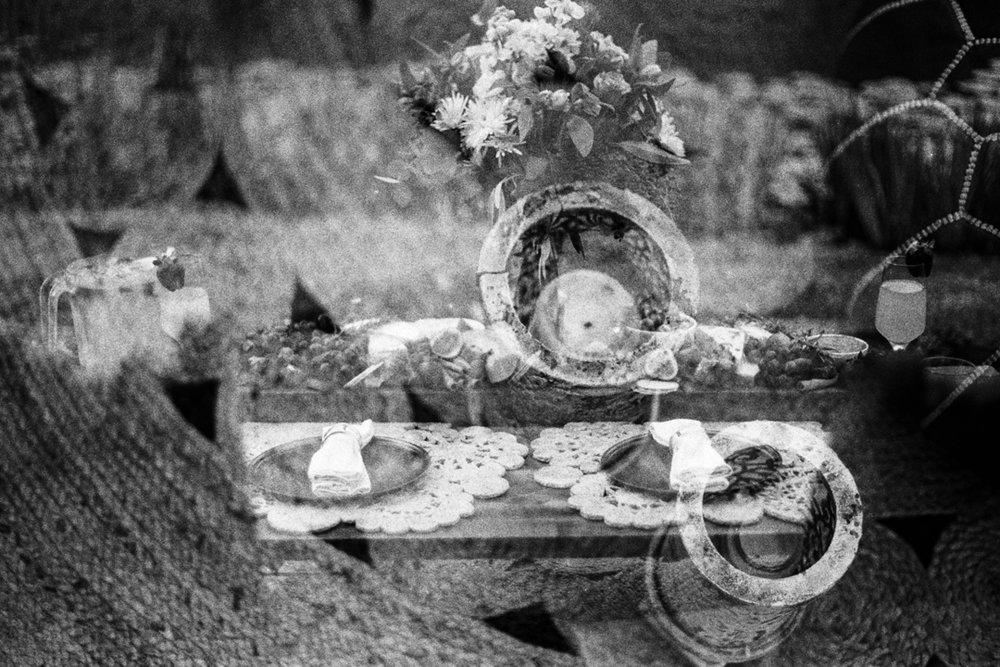 Deep Love Picnic arrangement at Maleny Botanic Gardens, Sunshine Coast Hinterland. Photographer Cynthia Lee