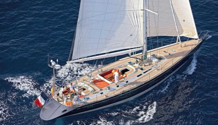 trump-sailing