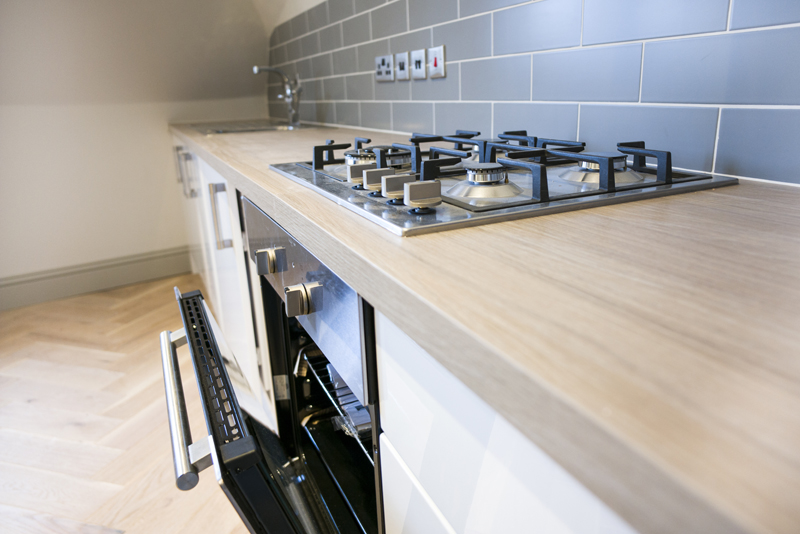 TOP APARTMENT - KITCHEN 2 mid .jpg