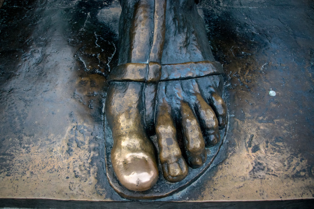 rub the Grgur Ninski statue's toe for good luck!