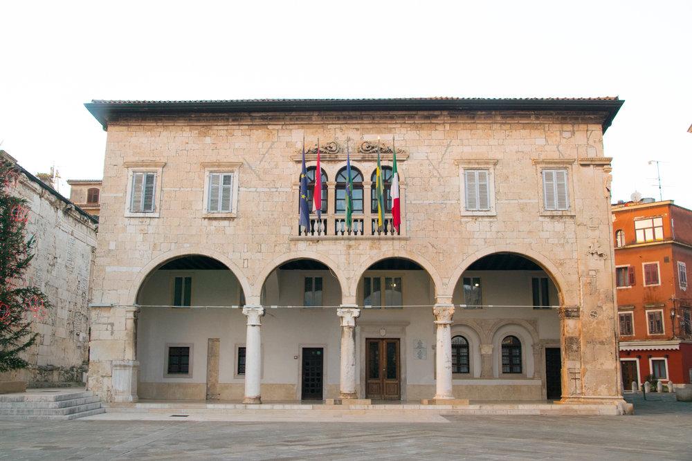 Pula Communal Palace