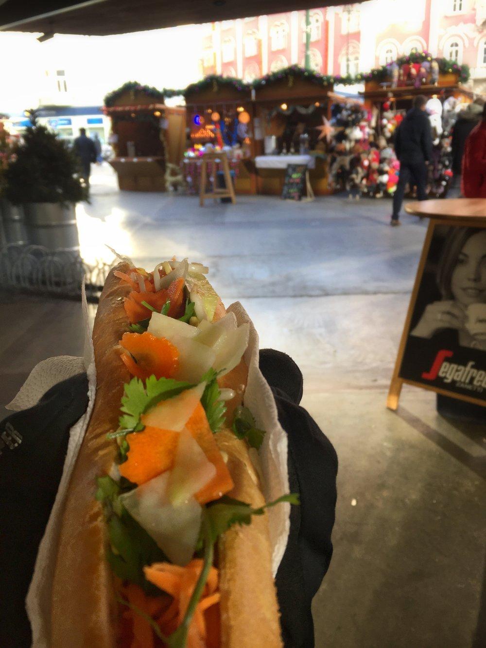veggie bánh mì at Christmas market