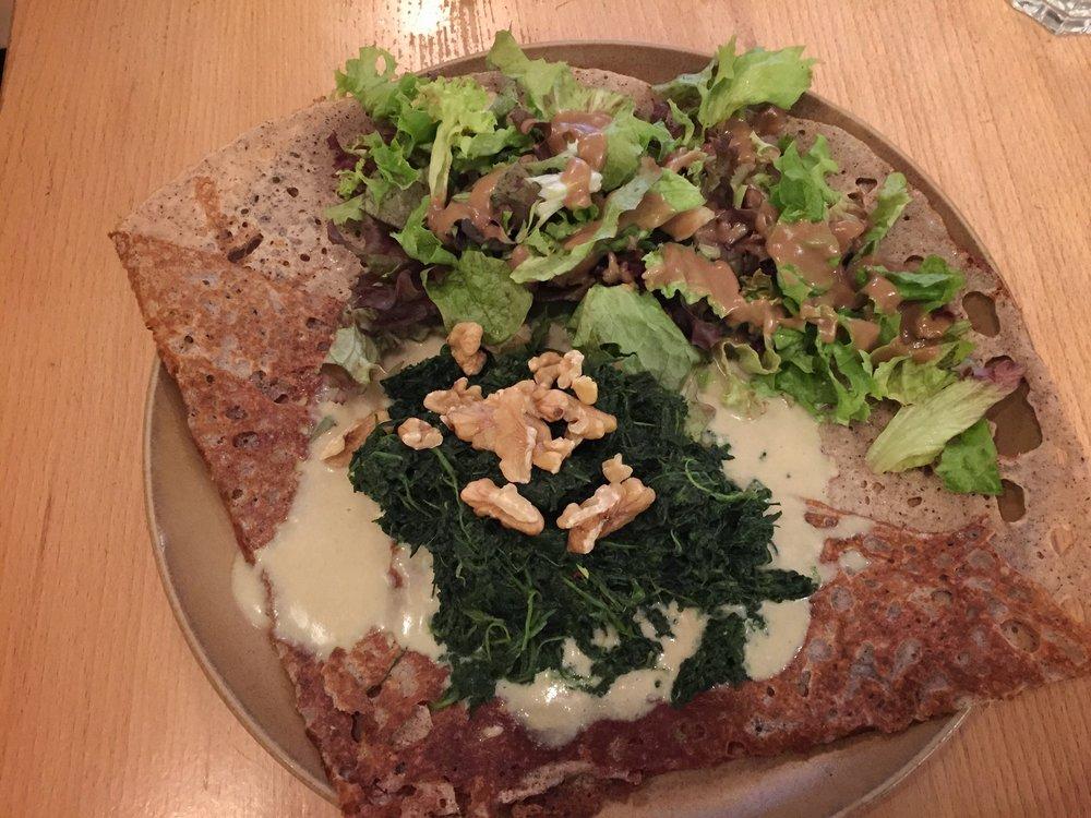 Camembert & spinach crepe at Haus der Bretagne (Hamburg)