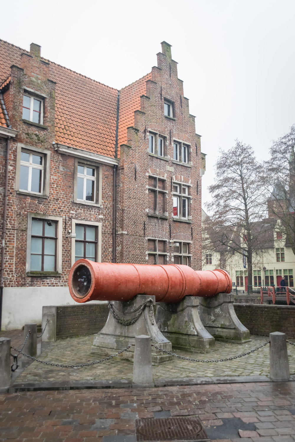 the dulle griet, or 'angry lady' cannon from the 16th century acquired to fight off the Spanish