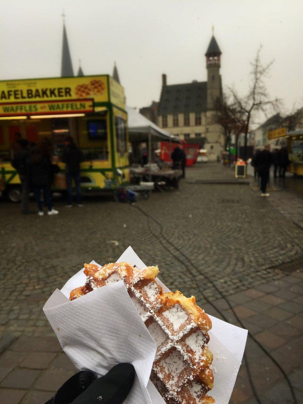 hot Belgian waffle (Ghent)