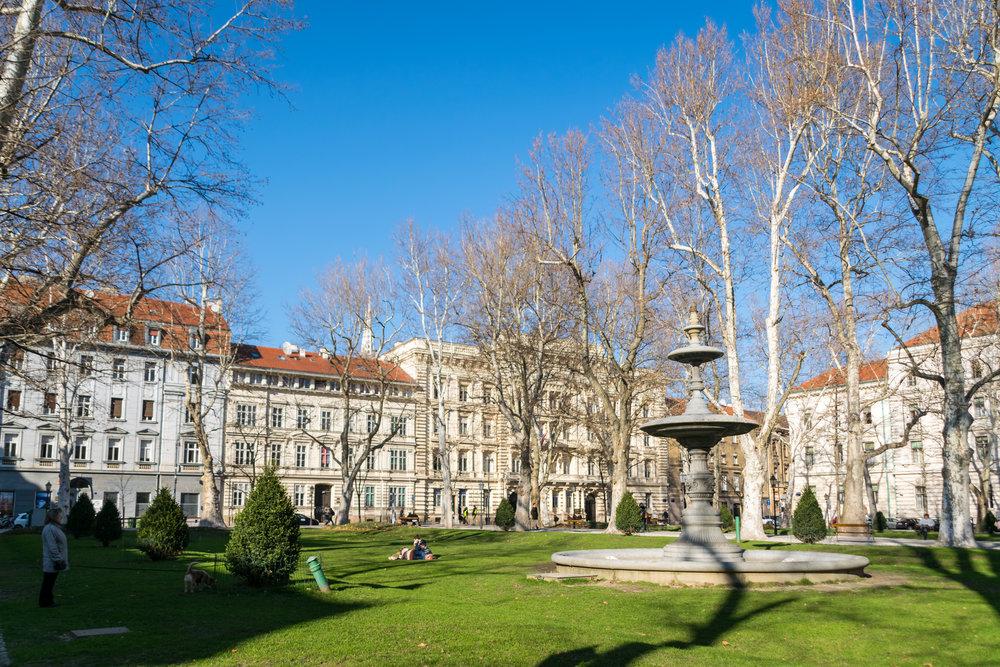 Zagreb square-4.jpg