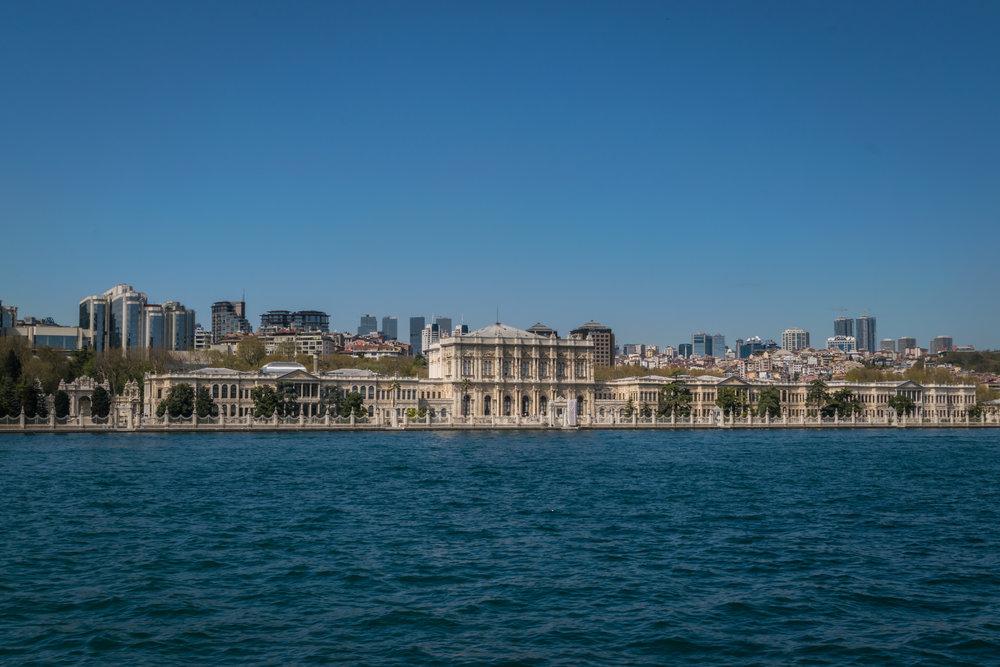the massive size of Dolmabahçe Palace