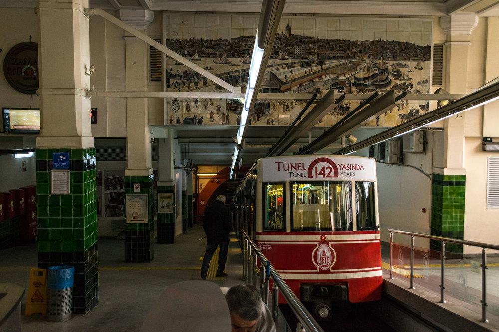 urban planning_Istanbul trams-2.jpg
