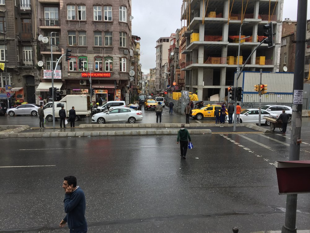 confusing crossing near Taksim Square