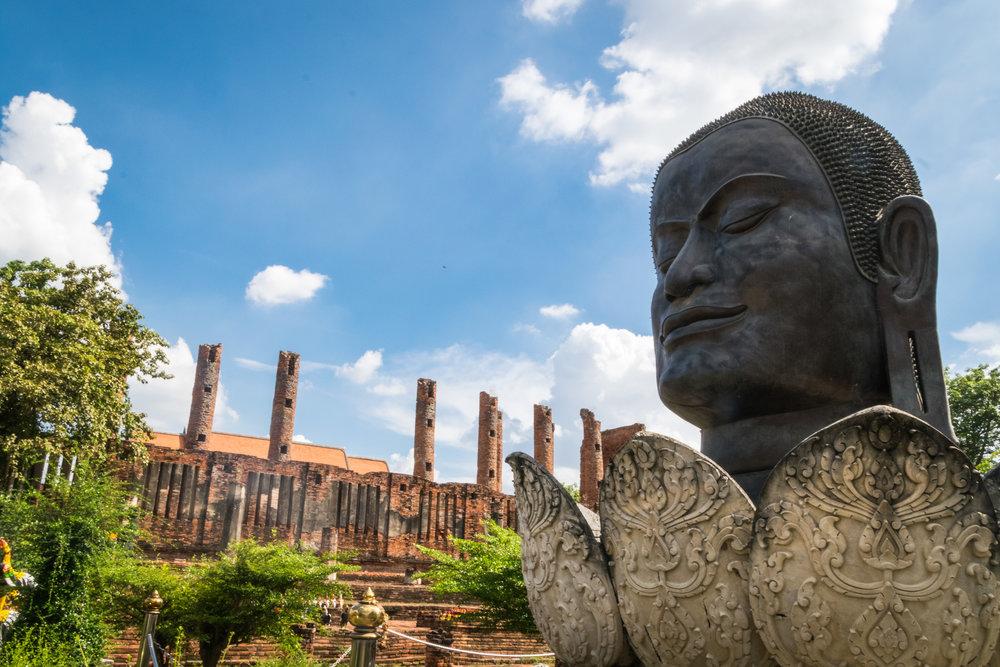 Ayutthaya_Wat Thammikarat-1.jpg