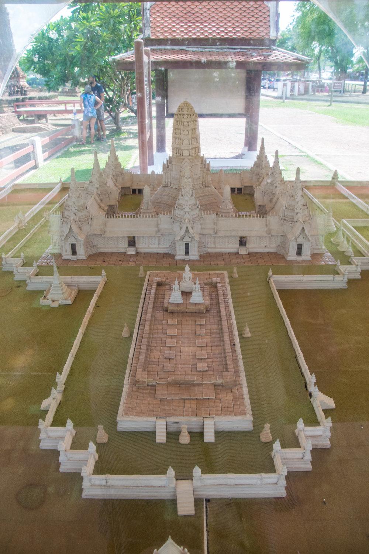Ayutthaya_Wat Ratcha Burana-6.jpg