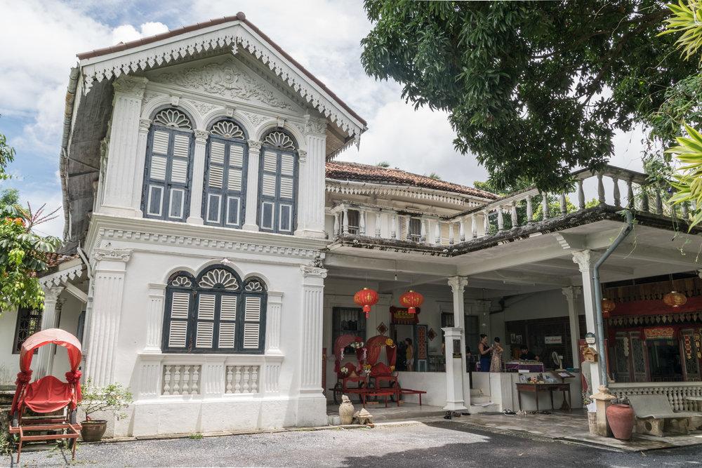 Baan Chinpracha, half house half museum