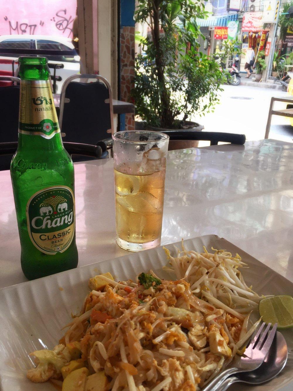 pad thai & Thai beer (Bangkok)